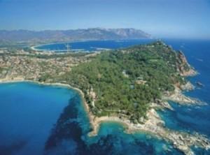 Sardinien Urlaub mit Kindern Familienurlaub Hotel 3 4 5 Sterne Hotels Resorts Ferienhaeuser Ferienhaus Campingplatz Campingplaetze günstig buchen