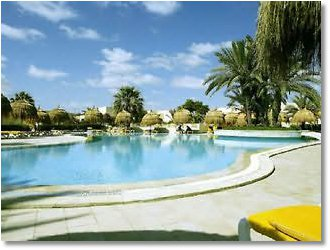 Foto Urlaub Djerba Tunesien der Pool vom schönen Hotel Club Magic Life Penelope Beach Imperiall am Sidi Mahres Strand bei Midun