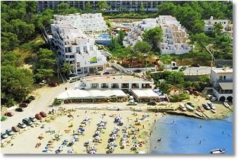 Foto Familien im Urlaub, Familienurlaub im Familienhotel Hotel Paradise Beach in Portinatx auf der schönen Balearen Insel Ibiza Familienreisen