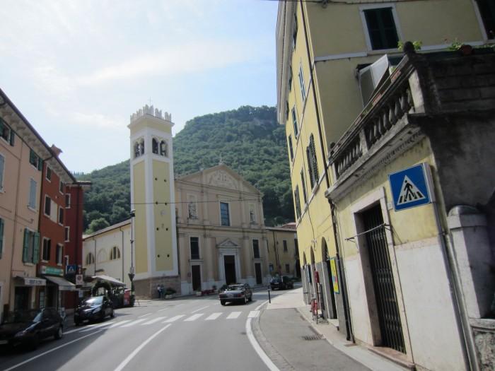 Gardasee Urlaub Reisebericht Gardasee Hotels Garda Kirche Altstadt