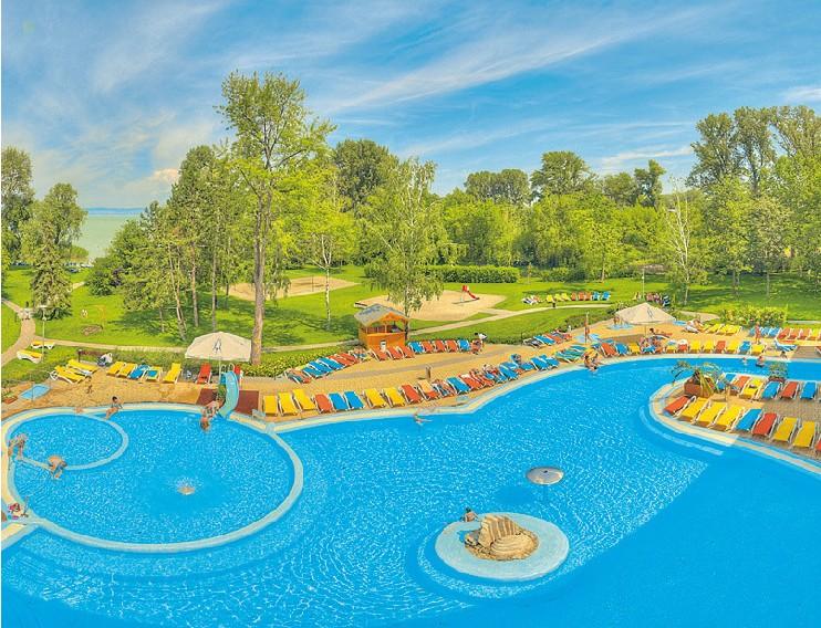 Hoteltipp für Wellness Urlaub in Siofok Plattensee 4 Sterne Hotel Azur Reisen Ungarn